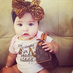 LOVE everything about this little fashionista!!!! ♥