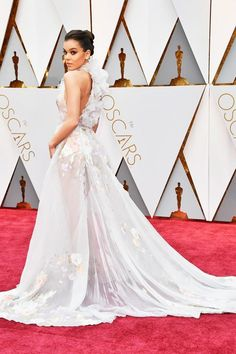 Hailee Steinfeld In Ralph & Russo at the Oscars 2017.