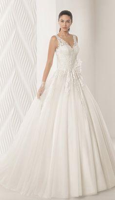 Courtesy of Rosa Clara Wedding Dresses; www.rosaclara.es/en
