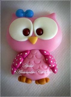 ~little pink clay owl Polymer Clay Kunst, Polymer Clay Figures, Polymer Clay Animals, Fondant Figures, Fimo Clay, Polymer Clay Projects, Polymer Clay Charms, Polymer Clay Creations, Clay Crafts