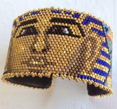 King Tut Bracelet Pattern par beadedbear sur Etsy
