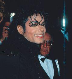 Michael Jackson Photo: my heart belongs to u Michael Michael Jackson Wallpaper, Michael Jackson Bad Era, Jackson 5, Mj Bad, King Of Music, Victoria, Cinema, Actors, American