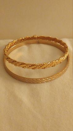 Vintage Set Of 2 Goldtone Metal Bangle Bracelets Gold Ring Designs, Gold Bangles Design, Gold Earrings Designs, Gold Jewellery Design, Fancy Jewellery, Bangle Set, Bangle Bracelets, Diamond Bracelets, Link Bracelets