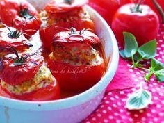Tomates farcies au poulet et aux lardons, sauce basilic menthe