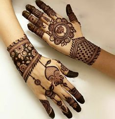 Henna Tattoo Designs Simple, Back Hand Mehndi Designs, Legs Mehndi Design, Stylish Mehndi Designs, Mehndi Designs For Girls, Mehndi Designs For Beginners, Mehndi Design Photos, Beautiful Mehndi Design, Latest Mehndi Designs