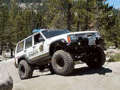 El Dorado Sheriff in Jeep Cherokee on Rubicon Trail Jeep Cherokee Xj, Jeep Xj, Jeep Truck, Rubicon Trail, Jeep Trails, Cool Jeeps, Jeep Life, Offroad, 4x4