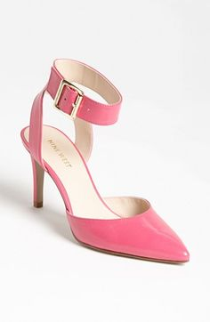 pretty pink pumps