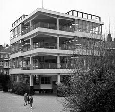 DUIKER & BIJVOET: Open air school, Amsterdam, 1927-1930