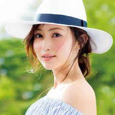 【プチプラ】美容オタク・有村実樹オススメ!夏メイク アイテム12選  #anecan #beauty #夏メイク #有村実樹 #mikiarimura Panama Hat, Cute Girls, Hats, Yahoo, Beauty, Beautiful, Women, Fashion, Moda