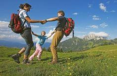 3 rutas de senderismo por Madrid con niños, excursiones ideales para toda la familia, como la Presa de Valmayor, los Molinos del río Perales ???