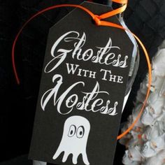 Come join in the fun with @alli_cupcakediaries and the 30 Days Of Halloween where I'm sharing my #Free Hostess Gift Tag #Printable! Tie it to a basket of treats or a bottle of #wine and head to the party! #linkinprofile #ontheblog #halloween Wine Christmas Gifts, Christmas Tag, Halloween Make, Homemade Halloween, Wine Tags, Gift Tags Printable, Wine Gifts, Hostess Gifts, Gift Bags