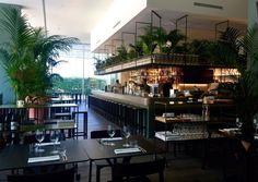 Alessandro Longhin und Davide Martelli erfanden das Konzept Botanical Club. Eine Mischung aus Mikrobrennerei, Cocktailbar und Restaurant, die bereits an zwei Standorten erfolgreich ist.