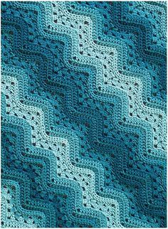Very well-known idea by every crochet fan. This project is widely described with maybe several hundreds realizations. This one starts with chain: 173 with 7 mm hook, and after 6 mm hook for row 10 Crochet Baby Blanket Free Pattern, Crochet For Beginners Blanket, Crochet Pillow, Afghan Crochet Patterns, Crochet Ripple Blanket, Beginner Crochet, Crochet Afghans, Crochet Stitches, Chevrons Au Crochet