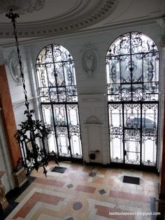 Entrance, Kossuth Lajos tér 13-15., Budapest, Hungary