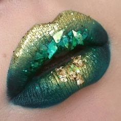Green and  Gold Makeup Ideas for Inspiration | ko-te.com by @evatornado |