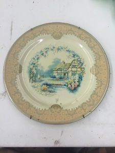 Vintage-Tin-Plate-made-in-England-by-Baret-Ware-is-titled-Cottage