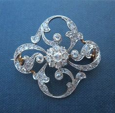 Exceptional Art Nouveau Victorian Pin Vintage item from the 1800s