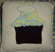 Cupcake Bib by thecrafter on Etsy