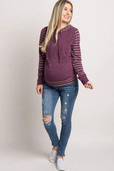 a5f7d8ecd4e6d Blue-Distressed-Cropped-Maternity-Skinny-Jean Winter Maternity Outfits, Fall