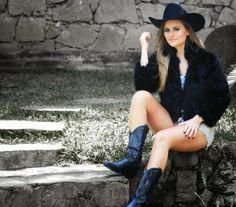 ♥ Cantora e Apresentadora AEILEEN voltando ao Universo Country ♥  http://paulabarrozo.blogspot.com.br/2014/05/cantora-e-apresentadora-aeileen.html