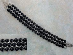 Free pattern for bracelet Black Pearl