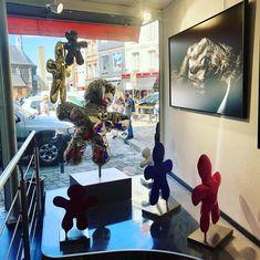 #Iglesis family color dispense joy and love in @tania_klein_artiane  #artwork #sculpture #painting #contemporaryart #honfleurgallery . www.artiane.com . 📍Galerie Artiane - Honfleur - Normandy 📧 taniaklein@artiane.com 📞+0033 661 776 355 Sculpture Painting, Normandy, Cool Art, Contemporary Art, Art Gallery, Joy, Artwork, Color, Normandie