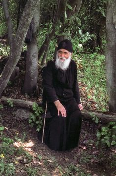 Elder Paisios (Eznepidis) of Mount Athos has been canonized today by the Ecumenical Patriarchate Old Man Pictures, Miséricorde Divine, Saint Barbara, Byzantine Icons, Orthodox Christianity, Archangel Michael, Orthodox Icons, Faith In God, Heavenly Father