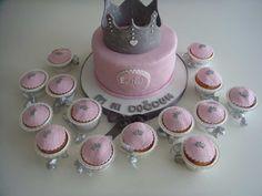 Kraliçe Tacı Temalı Butik Doğumgünü Pastası.! Crown Birthday Cake.!