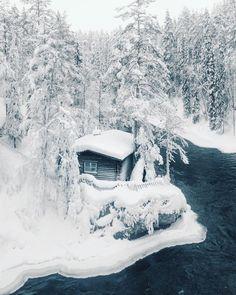 Cozy cabin in Lapland, Finland - Konsta Punkka I Love Winter, Winter Time, Cozy Winter, Winter Snow, Snow Scenes, Winter Scenes, Lapland Finland, Good Vibe, Alaska