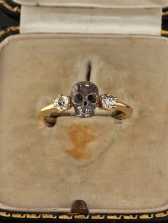 Sold out!! Late Art Deco dramatic skull with diamond memento mori ring