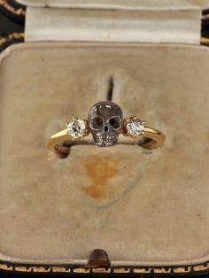 Late Art Deco dramatic skull with diamond memento mori ring