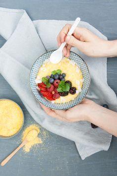 Süße Frühstückspolenta mit #Kokosmilch #Rezepte #Polente