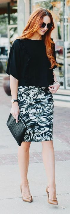 Chic street style | Printed skirt and loose black shirt | Just a Pretty Style