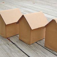 ikat bag: How To Work With Cardboard Lots of fun ideas Cardboard City, Cardboard Dollhouse, Cardboard Box Crafts, Cardboard Paper, Diy Paper, Paper Crafts, Cardboard Houses, Cardboard Train, Cardboard Kitchen