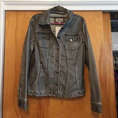 NWT Erin London jacket NWT Brand: ERIN LONDON     Size: Medium                 Faux jean jacket made to look in a black/gray wash - actual color on tag say Gun. The feeling of the jacket is more like pleather.  Cute and fitted.  Make me an offer. Erin London Jackets & Coats Jean Jackets