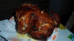 Ingredientes: 1 frango inteiro , 2 cebolas médias , 2 dentes de alho , 10 fatias de bacon , Sal a gosto , 1 lata de óleo comum ,