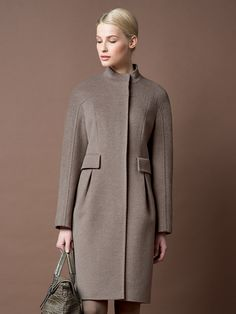Coat with joke sleeves. Coats For Women, Clothes For Women, Mein Style, Apparel Design, Winter Wear, Winter Outfits, Winter Fashion, Fashion Dresses, Fashion Design