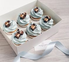 Ideas For Cupcakes Frosting Piping Buttercream Cupcakes, Baking Cupcakes, Yummy Cupcakes, Cupcake Recipes, Cupcake Cakes, Dessert Recipes, Yummy Treats, Delicious Desserts, Fete Emma