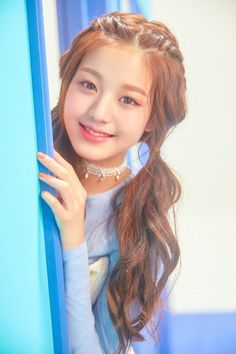 (Credits to the real owner/s) Cute Girl Pic, Cute Girls, Korean Hair Color, Kpop Hair, Summer Makeup Looks, Afro, Japanese Girl Group, Hair Inspo, Cute Hairstyles