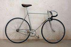My friend FR sells an awesome Viner- Campa-Mavic-Cinelli fixed gear bike