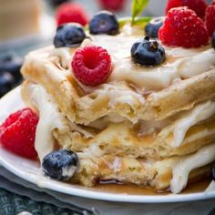 Here is a delicious, classic waffles recipe using common, basic pantry ingredients. Easy to make and full of flavor. Who is ready for breakfast? 7 Layer Taco Dip, Layered Taco Dip, Layer Dip, Best Vanilla Cupcake Recipe, Cupcake Recipes, Steak And Shrimp, Shrimp Fajitas, Chicken Steak, Classic Waffle Recipe