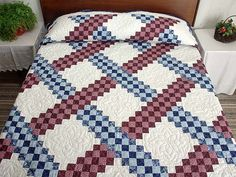 Triple Irish Chain Quilt -- splendid skillfully made Amish Quilts from Lancaster (hs2709)