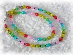 _Der Preis gilt für EINE Kette_ **Eine strahlende, leuchtende Regenbogenkette hellt die Stimmung auf, besonders an trüben Herbst und Wintertagen. Im Sommer auf gebräunter Haut sind sie ebenfalls... http://de.dawanda.com/product/104968467-kette-aus-glasperlen-regenbogen-silber-oder-schwa