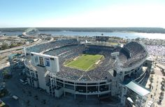 Jacksonville, Florida Back in 1995, Populous completed its design of Jacksonville, Florida's EverBank Field, home to the Jaguars. The venue can accommodate 67,245 ardent supporters.