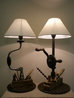 lighting lamps Прикроватные лампы столяра The post lighting lamps appeared first on Lampen ideen. Deco Retro, Rustic Lamps, Steampunk Lamp, Industrial Lighting, Industrial Table, Interior Lighting, Design Industrial, Pipe Lighting, Task Lighting