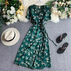 Floral Dress Outfits, Girly Outfits, Modest Outfits, Fashion Dresses, Stylish Dresses For Girls, Cute Dresses, Beautiful Dresses, Short Dresses, Cute Summer Outfits