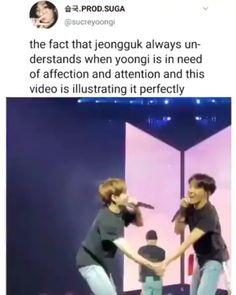 Jungkook' un Yoongi' nin şefkat ve ilgiye ihtiyacı olduğu zaman hep anlaması Bts Memes Hilarious, Bts Funny Videos, Taehyung, Bts Bangtan Boy, Bts Jungkook, Kpop Gifs, Vkook Memes, Bts Tweet, Bts Playlist