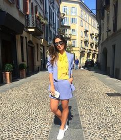 Elas usam Carol Bassi - a linda e chique @silviabraz com look total da nossa nova coleção Pre Summer 16 => smoking e shorts lavanda + camisa gola laço amarela 💙💛💙 They wear CB - the beautiful and chic Silvia Braz wearing a full CB outfit from our new Pre Summer 16 collection => lavander tuxedo jacket and shorts + yellow pussy-bow shirt. #carolbassi #carolbassibrand #fhits #fhitsmilao @fhits