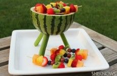 Watermelon Grill with Fruit Kabobs Make a watermelon centerpiece that's functional and edible. Add some fruit kabobs and you've got a BBQ grill that will thrill. Watermelon Centerpiece, Watermelon Crafts, Watermelon Carving, Fruit Kebabs, Kabobs, Fruit Salad, Grilled Watermelon, Watermelon Keg, Salads For A Crowd