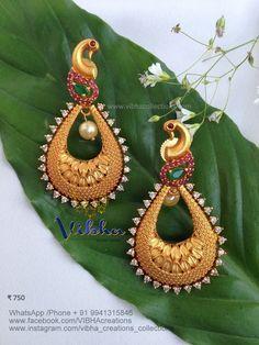 Indian Gold Jewelry Near Me Gold Jhumka Earrings, Jewelry Design Earrings, Gold Earrings Designs, Ear Jewelry, Cute Jewelry, Designer Earrings, Pendant Jewelry, Ankle Jewelry, Necklace Designs